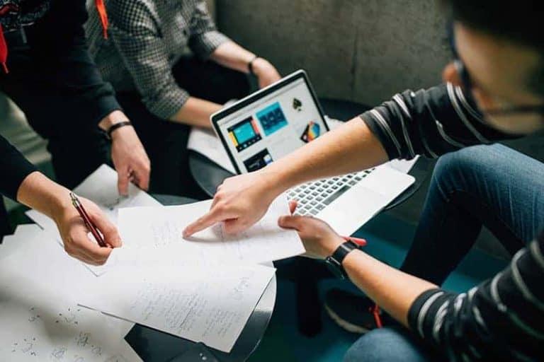 Stosowanie informacji zwrotnej w pracy managera przynosi duże korzyści